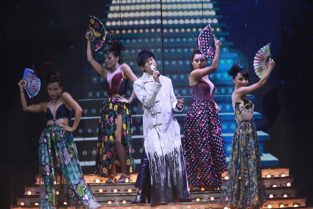 林俊杰广州演唱会再现紫海图片