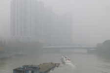 杭州市区出现今年第一场大雾
