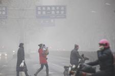 山东济南遭遇大雾天气