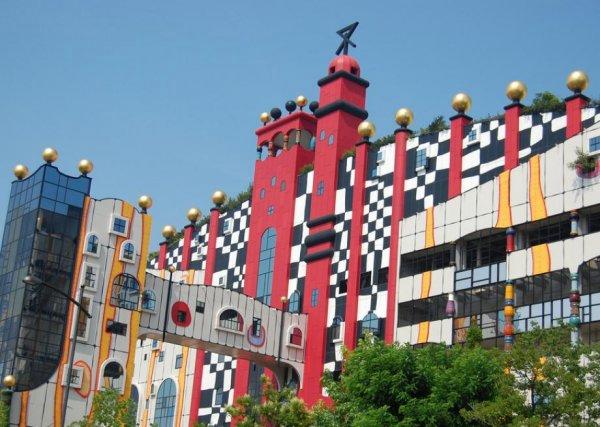 Friedensreich Hundertwasser:用曲线构就建筑的灵魂