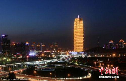 苏州靴子楼PK上海靴子楼 奇葩建筑均来自名设计师之手