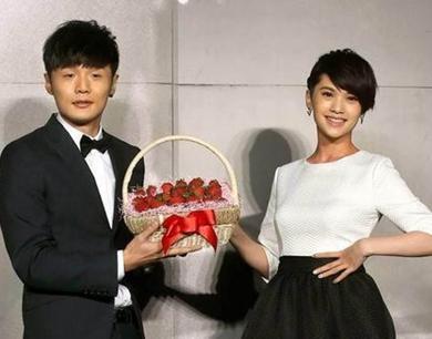 网曝杨丞琳、李荣浩7月底已领证