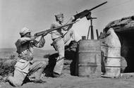 中国士兵与盟军并肩作战
