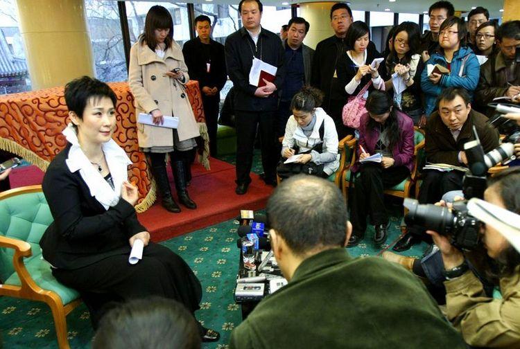 李鹏之女忆在香港成立公司往事:这条路闯了十年 - 月  月 - 阳光月月(看新闻)