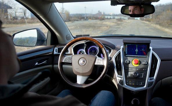 无人汽车未来 可在开车上班路上健身 睡觉高清图片