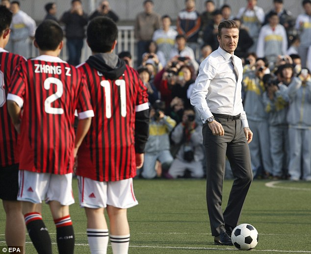 1日消息,著名足球运动员大卫·贝克汉姆3月20日抵达北京,作为中