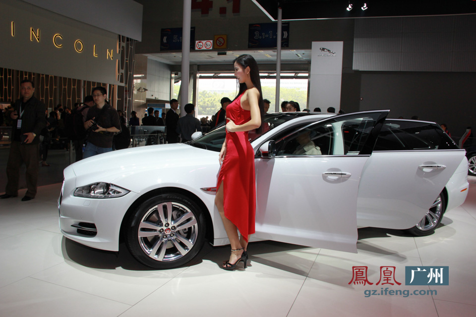2014广州车展直击:捷豹展台清纯车模