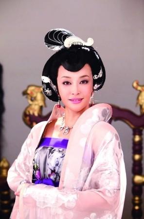 刘晓庆《武则天秘史》被指太暴露:不会再接这一角色