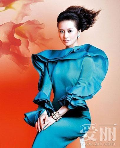 刘诗诗洗剪吹发型上封面 雷人还是时尚