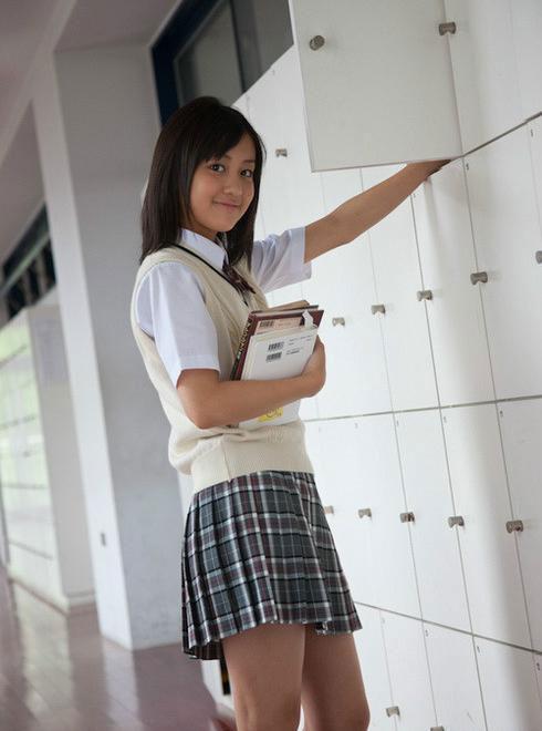 日本校服女生