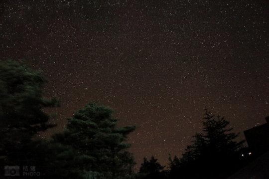 在金顶仰望星空 触摸银河