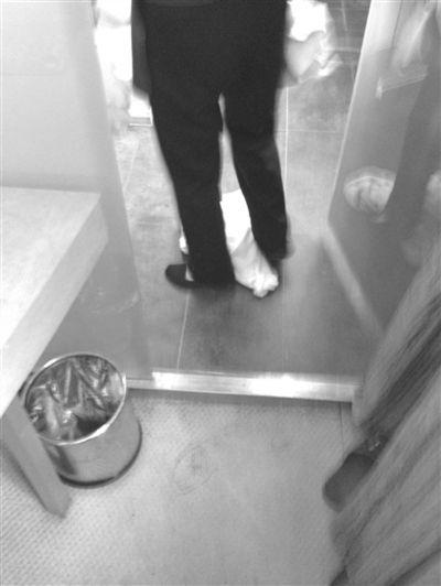 记者卧底北京一酒店 浴巾毛巾擦完马桶擦茶杯