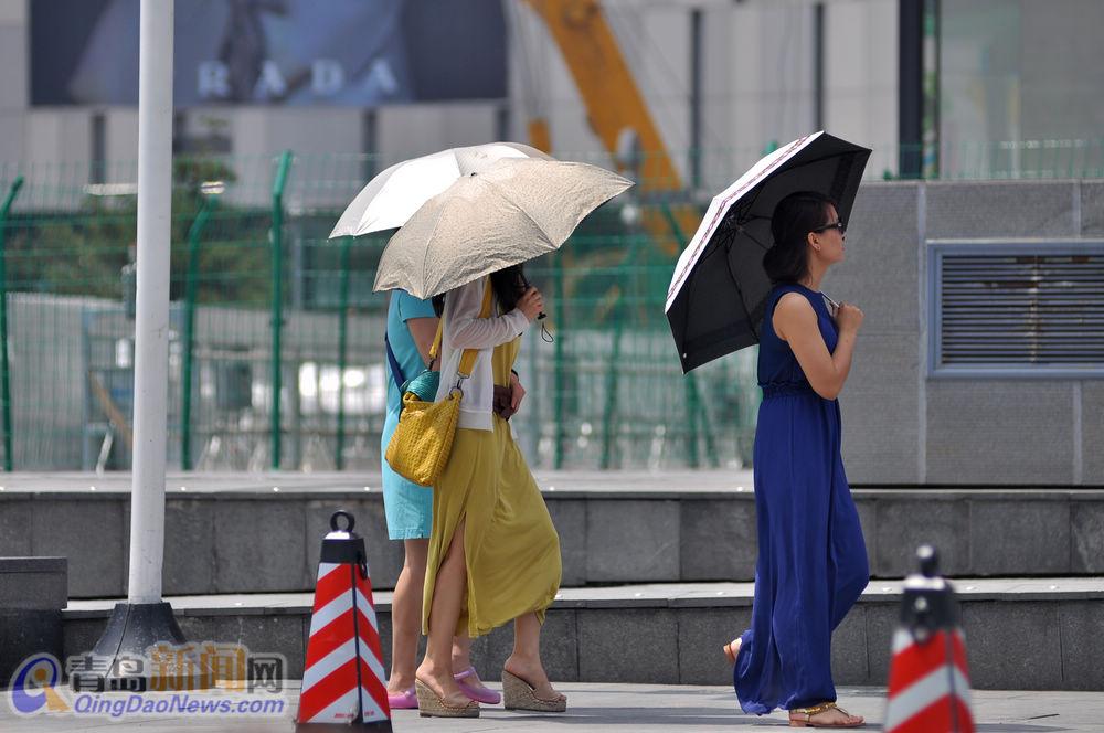 青岛20℃成过去式 美女清凉出行送福利 青岛频
