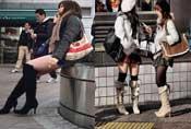 日本女人不怕冷 冬天照样短裙丝袜