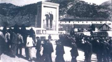 69年林家大湾林彪故居:高呼永远健康参观者蜂拥而来