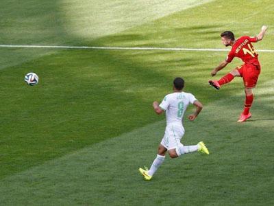 梅尔滕斯大力抽射破门得分比利时2-1