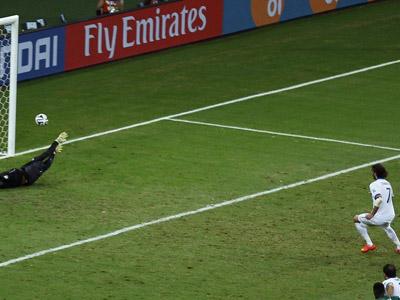 希腊补时获点球 萨马拉斯罚进小组出线