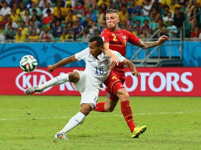 格林门前捅射扳回一球 美国1-2落后欧洲红魔