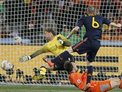 格策113分钟绝杀完美复制10年世界杯决赛伊涅斯塔入球-专题