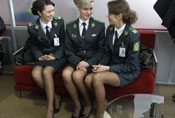 抓拍乌克兰性感边防女警
