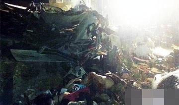 滚动:台湾47人亡空难现场
