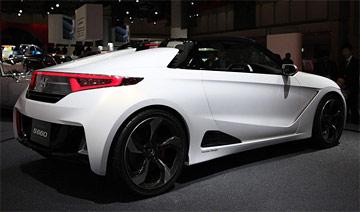 本田新车拥战斗机般驾驶舱 超高回头率/价格很亲民