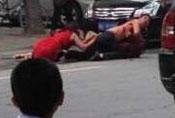 男子疑妻出轨当街砍人