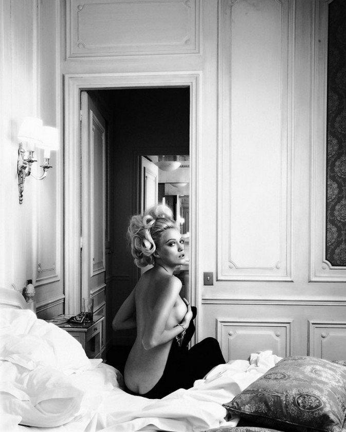 唯美风裸体少女写真