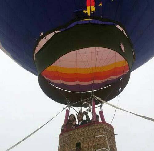 飞屋气球简笔画