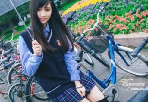 厦门最美校服女生走红网络 揭秘幕后推手究竟是谁 (6)