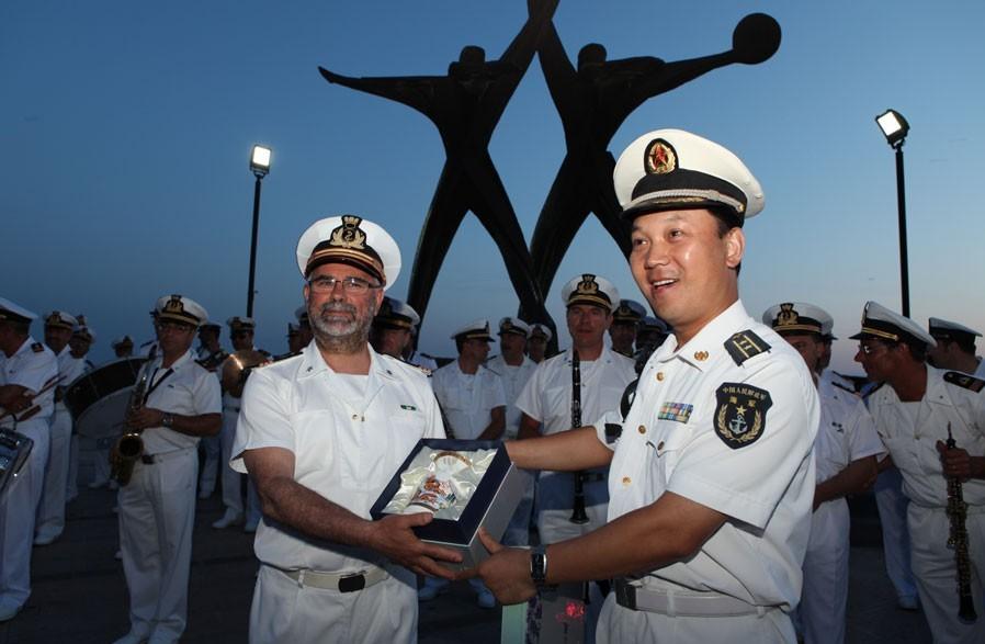 """中国海军航海训练舰""""郑和号""""访意期间活动见闻"""
