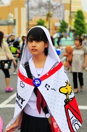 东京街头年轻学生