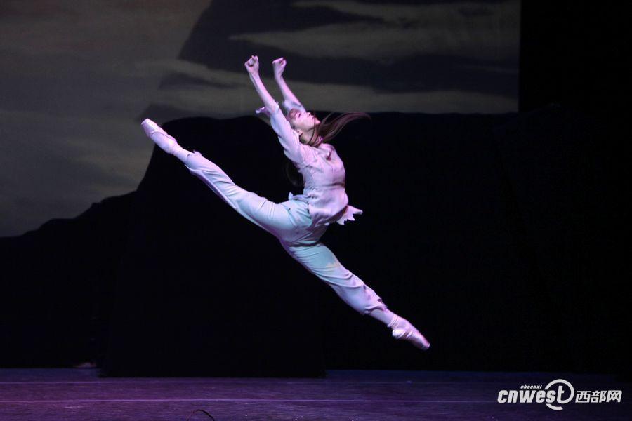 芭蕾舞剧《白毛女》 - 1194626629 - 闲谈莫论人非,静坐常思己过