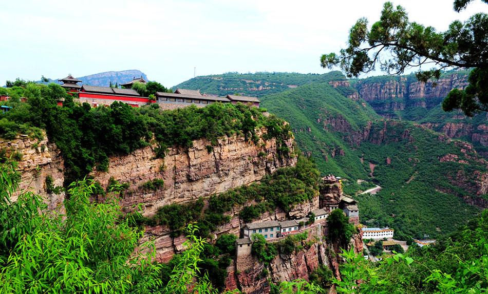 石家庄西南50公里,地处井陉县境内,为中国历史文化名山,国家重点风景