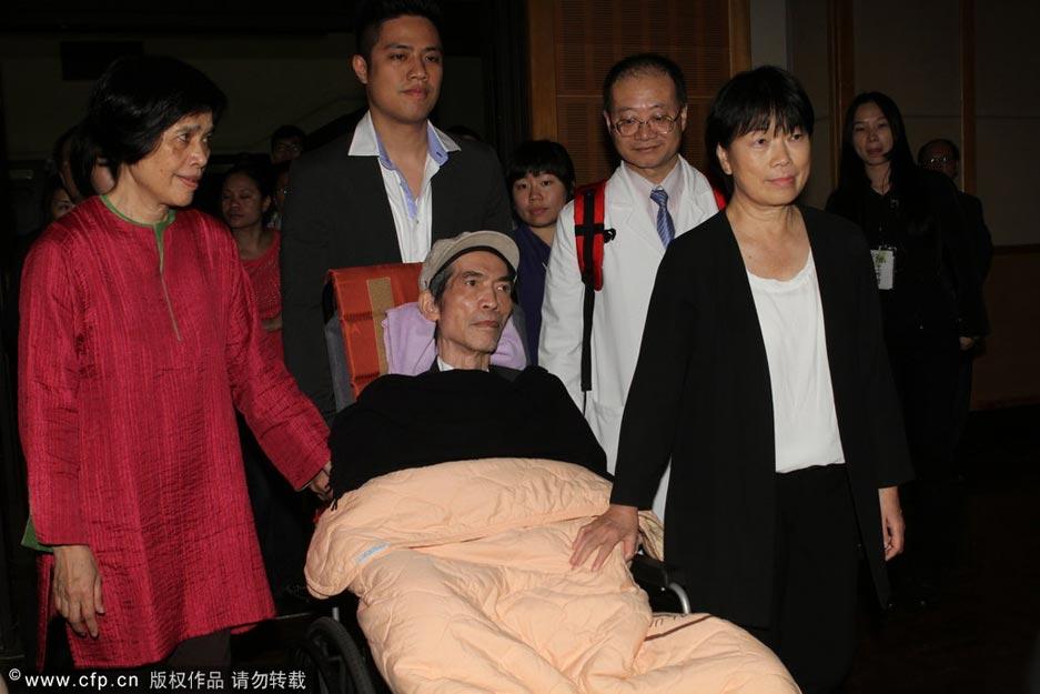 2014年1月3日,台湾著名音乐人李泰祥2日8点病逝台湾慈济医院,享年73岁。图为2013年4月19日,台北文化颁奖,李泰祥在亲友陪伴下做轮椅出席颁奖礼,这也李泰祥生前最后一次出席公开活动。