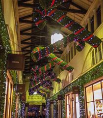 伦敦 :浓浓圣诞气氛点亮冬夜