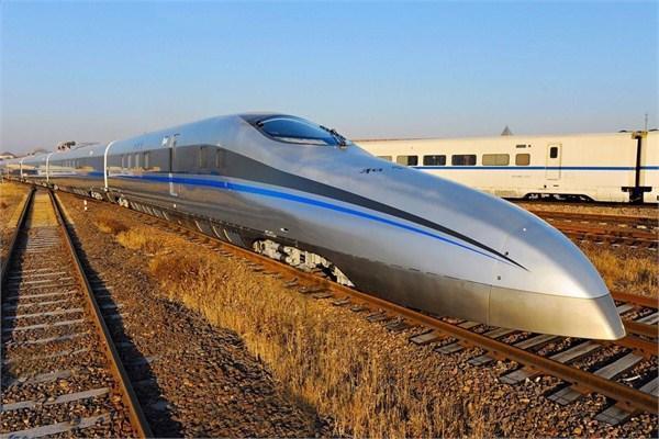 中国正试验时速605公里列车 高铁时速有望翻倍(图)