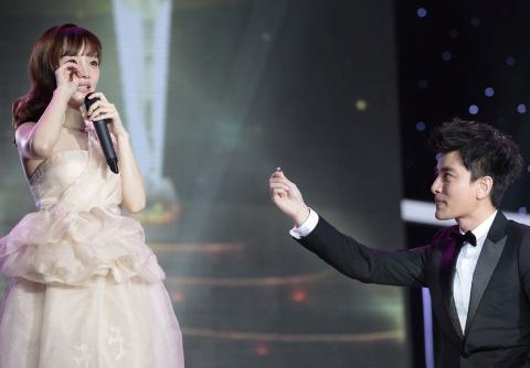 网友曝李小璐已怀孕 与贾乃亮疑奉子成婚