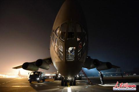 飞机做起飞前的准备