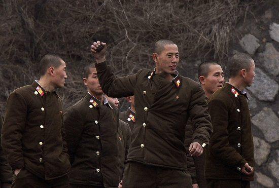 中国渔民:朝鲜擅自西移界线7公里 屡次越境抓人
