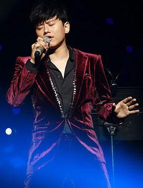 张杰北京演唱会落幕 将办免费个唱回馈歌迷