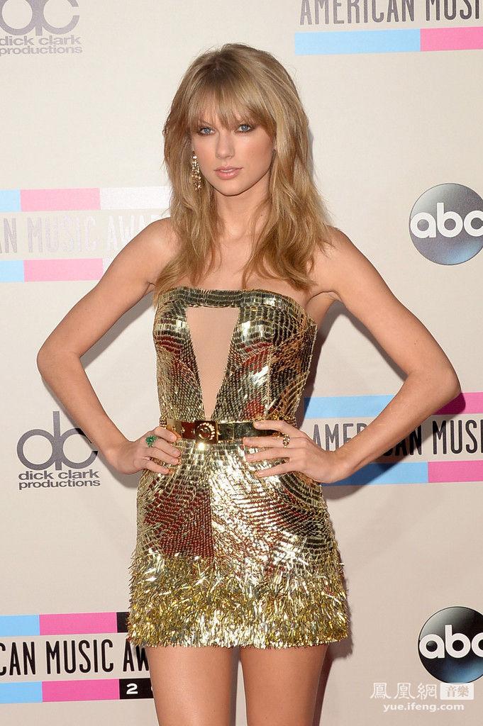 2013年全美音乐奖American Music Awards于美国时间11月24日晚上8点在洛杉矶诺基亚剧院举行。凯蒂-佩里、泰勒-斯威夫特、Lady Gaga、麦莉-塞勒斯等重量级嘉宾将献唱。