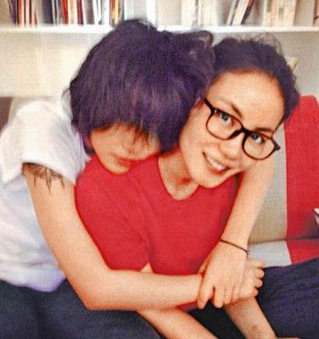 王菲恋爱与窦靖童讨论 传童童撮合锋菲恋