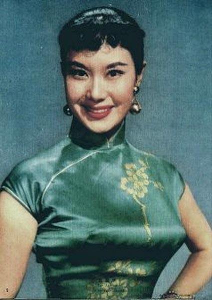 李丽华出身梨园世家,父母都是我国著名的京剧名角,父亲是威震南北的