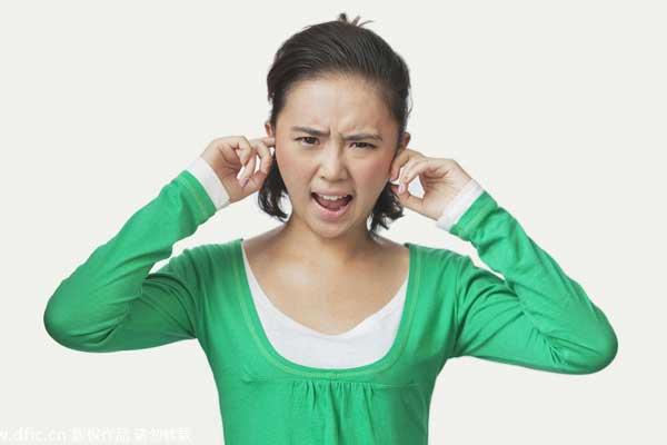 耳朵/一般情况下耳屎是不用掏的,因为它会自动外排。...