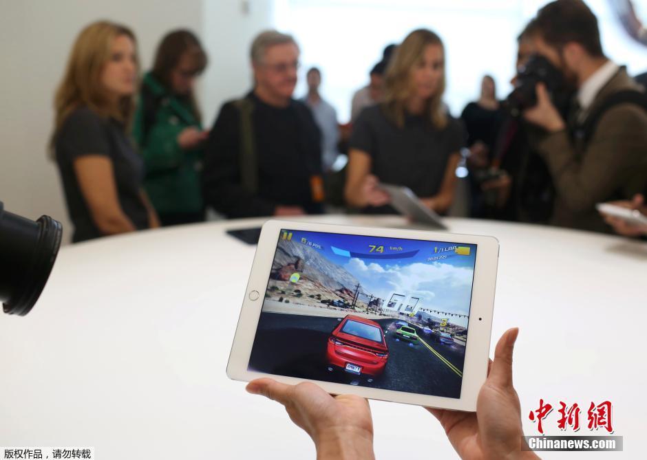 ...10月17日,苹果公司在其加州总部召开新品发布会,推出iPad Air 2...图片 54414 940x669