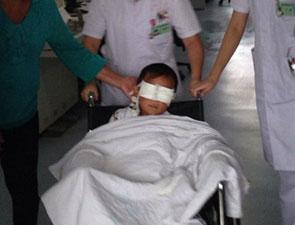 6岁男童被挖双眼