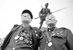 方军:抗日老兵的最高奖赏是国家荣誉