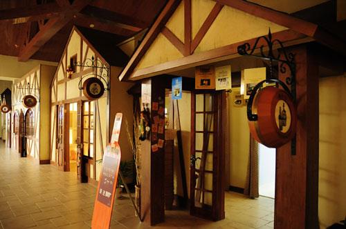 烟台张裕卡斯特酒庄 酒庄风格 酒庄建筑为欧式园林风格.