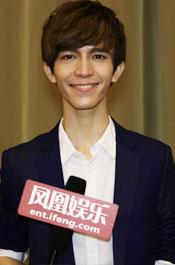 郭敬明:剧组里经常开玩笑调侃我和陈学冬